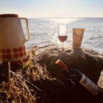 Picknick am See sobald die ersten Sonnenstrahlen heraus kommen
